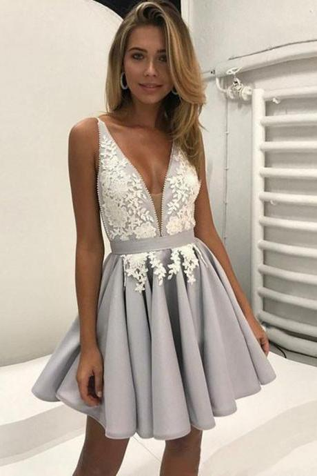 2018 Deep V neck Lace Short Homecoming Dress,Sexy Backless Applique With Spaghetti Straps Ruched Satin Graduation Homecoming Dress